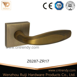 Zinc Alloy Door Lacth Handle on Rose, Furniture Hardware (Z6287) pictures & photos