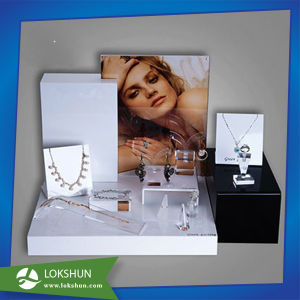 Clear Acrylic Jewellery Display, Jewelry Display Set pictures & photos