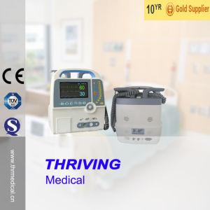 Thr-Dm-900d Medical Portable Automatic External Defibrillator pictures & photos