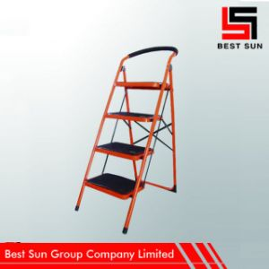 Non-Slip Four Treads Steel Foldable Ladder pictures & photos