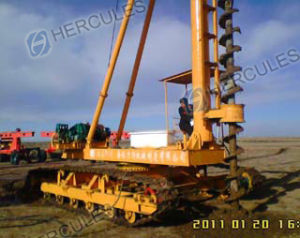 Electric Crawler Long Auger Piling Machine (KLL series) pictures & photos