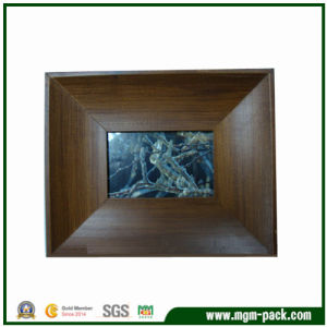 Brown Wooden Picture Frame for Home Decoration pictures & photos