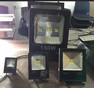 IP65 Waterproof Outdoor 100 Watt LED Flood Light with 5 Years Warranty pictures & photos