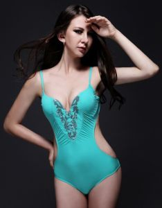 2017 Hot Selling Swimsuit Factory Custom Women′s Swimwear pictures & photos