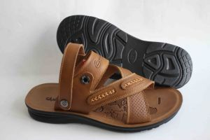 Good Quality of Men′s Beach Shoes with Leather Upper (SNB-14-015) pictures & photos