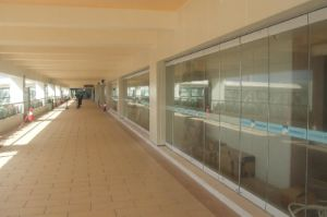 Mpvable Frameless Glass Wall/Glass Wall for Hotel, Shopping Mall, Office pictures & photos
