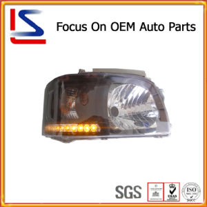 Auto / Car Parts Black LED White Head Lamp for Hiace′05 pictures & photos