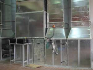 Ce Certified Btd Truck Bus Spray Painting Booth with Ce pictures & photos