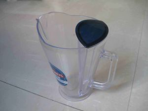 Pitcher with Ice Tube for Drinking pictures & photos