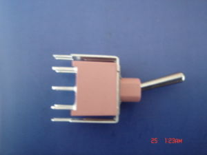 Sub-Miniature Button Midium-Size Bolt Sealed Toggle Switch (T80-T) pictures & photos