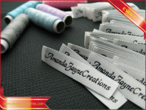 High Density Washable Garment Label Woven Clothing Label pictures & photos