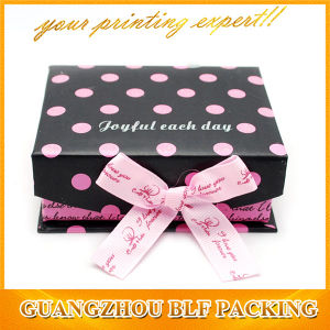 Ribbon Closure Gift Box for Wedding pictures & photos