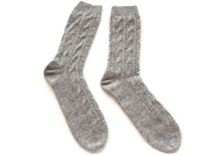 100%Cashmere Cabel Knit Socks Unisex pictures & photos