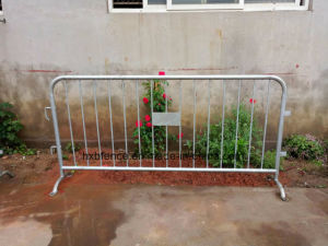 Temporary Metal Police Barricade with Bridge Feet pictures & photos