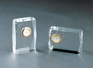 Crystal Diamond Clock with Crystal Base pictures & photos
