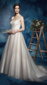 Lace Straps V-Neck Ruched Surplic Bodice Wedding Dress with Romantic Train pictures & photos