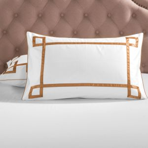 The Hotel Collection Egyptian Cotton White Embroidery Bedding Set pictures & photos