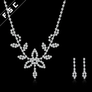 Vogue Leaves Shape Crystal Jewelry Set for Party pictures & photos