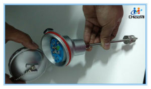 Integrated Temperature Transmitter Sensor with Thermocouple Rtd 4-20mA pictures & photos