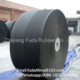 5~25mm Height V Cleated Ribbed Chevron Conveyor Belt pictures & photos