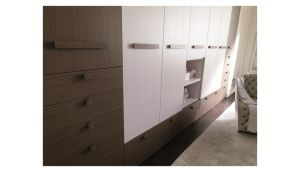 Classical White Wooden Bedroom Wardrobe with Drawers Closet pictures & photos