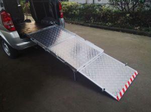 Wheelchair Loading Ramp for Van Aluminum Platform pictures & photos