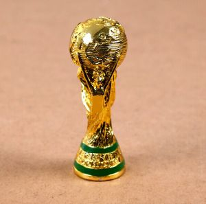 Resin Award Game Trophy Cup Figurine pictures & photos