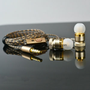 Wholesale Metal Ear Headset Bass MP3 Mobile Phone Computer Universal Earplugs pictures & photos