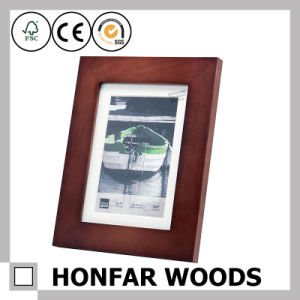 Natural Brown Standing Wooden Picture Frame with Mat pictures & photos