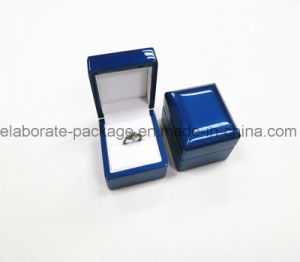 2017 New Style Deep Blue Wooden Jewelry Packing Storage Box pictures & photos