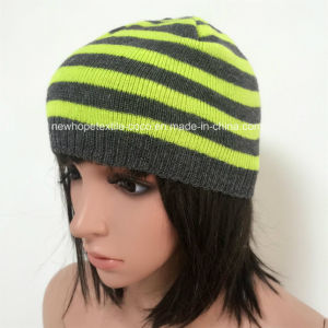 100% Acrylic Beanie with Stripe/Embroider Logo pictures & photos