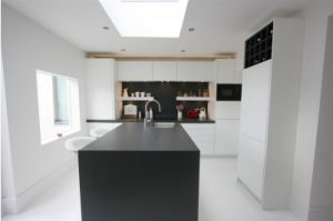 Mueble De Cocina 2016 New Design Modern High Gloss Lacquer Kitchen Professional OEM Manufacturer L1606034 pictures & photos