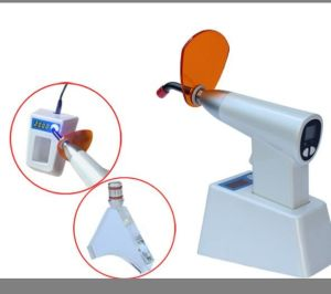 Gun Type Dental LED Curing Light pictures & photos