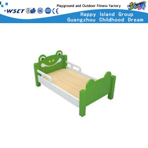 Luxury Kindergarten Furniture Bed for Children (HLD-2704) pictures & photos