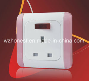 EU Standard Viko Design Wall Socket with Earth Contact Safety Wall Electric Socket pictures & photos