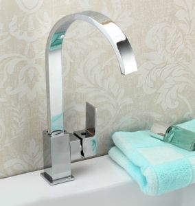 Modern Single Lever Swivel Kitchen Sink Water Faucet pictures & photos
