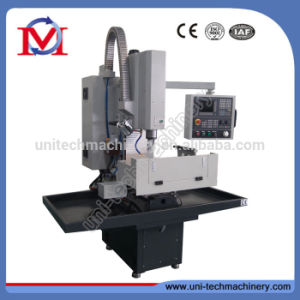 China Manufacturer Siemens System Mini CNC Milling Machine (XK7124B) pictures & photos