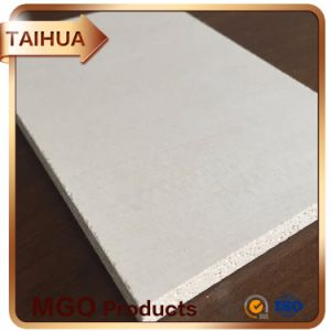 Refractory Magnesium Oxide (MGO) Board for Construction Companies as Sandwich Panel/Roofing Tile/Prefab Home/Decorative Wall pictures & photos