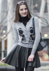 Cashmere Sweater with Embroidery (1500002079) pictures & photos