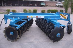 1bz-2.5 Semi-Mounted Heavy Disc Harrow for Tractor pictures & photos