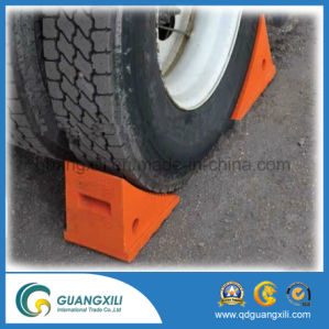 Solid Rubber Heavy Duty Wheel Chock pictures & photos