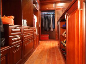 2014 Welbom Latested Solid Wood Wardrobe Design pictures & photos