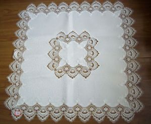 Lace Table Cloth with Machine Made 100% Polyester St80322 pictures & photos