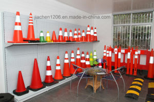 Jiachen Hand Hold Red Plastic Traffic Barrier pictures & photos