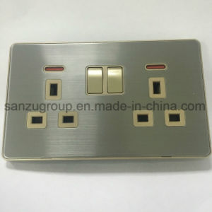Manufacture Double 13A Socket with Switch pictures & photos