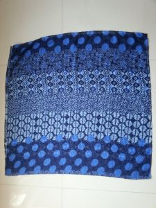Fashion Accessories Polyester Scarf, Print Spot Navy Shawl for Girls pictures & photos
