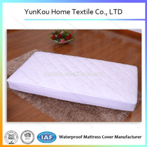 Crib Quilted Waterproof/Breathable Waterproof Mattress Protector pictures & photos