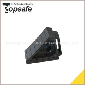 (S-1521) Road Safety Car Rubber Wheel Chock pictures & photos