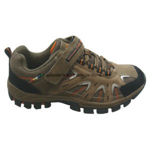 Hot Men′s Hiking Shoes Trekking Shoes Cow Suede Leather pictures & photos