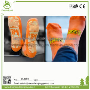 High Quality Polyester Anti-Skid Non-Slippery Grip Socks, Kid Trampoline Socks for Jumping pictures & photos